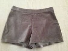 HUE Small Taupe Wide Wale Corduroy Shorts NWT (Location 1321A-1T)