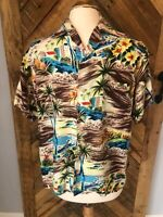 Vintage 1960's Aloha Shirts Men's Medium 100% Rayon Button-Front Hawaiian Shirt,