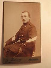 Morges - sitzender Soldat in Uniform - Schweiz / CDV