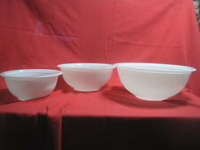 Set of 3 Solid White Pyrex Nesting Bowls In Excellent Used Con. See Pics...