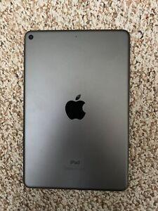 Apple iPad Mini (5th Generation) 64GB, Wi-Fi, 7.9in - Space Gray
