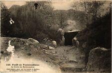 CPA   Forét de Fontainebleau - La Grotte des Barbisonniéres ...  (249042)