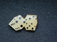 VINTAGE METAL PIN    DICE
