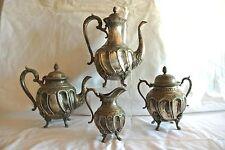 Argenterie anglaise, Théière, Cafetière, Pot à lait et Sucrier en métal argenté