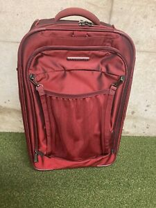 """Briggs & Riley Transcend Red 22"""" Upright Wheeled Suitcase Model TU122X - Great!"""