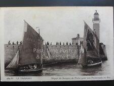 LE TREPORT Depart de Barques de Peche pour une promenade en Mer by CAD 89 170515