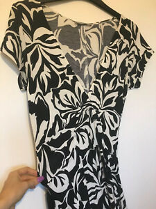 Marks And Spencer - Size 10 - Black And White Floral Dress - Full Length - Maxi
