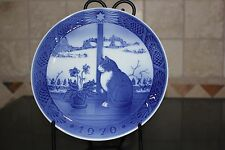 1970 Royal Copenhagen 7.25 inch Christmas Plate Christmas Rose and Cat