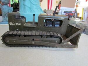 Vintage Tonka Green Army Pressed Steel Bulldozer GR2-2431