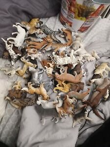 Schleich lot Of 52 Figures Wolves, Dogs, Cats, Horses