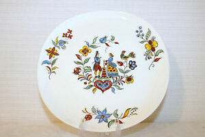 """CROOKSVILLE DAIRY MAID No Trim Iva-Lure Made in U.S.A. 10 1/8"""" Dinner Plate"""