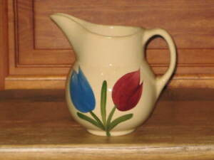 Rare Watt Pottery Tulip Pitcher Number # 15 Made in USA Great Condition