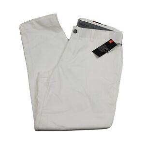 Under Armour Men UA White Showdown Golf Pants 1309545 100  Size 40 x 30 MSRP $80