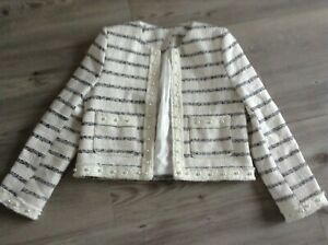 (P15) RIVER ISLAND GIRLS LOVELY PEARL DETAILED JACKET SIZE 9-10YRS
