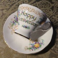 VINTAGE QUEEN ANNE FINE BONE CHINA ENGLAND ♡ PEDESTAL TEA CUP & SAUCER ♡ ROSES