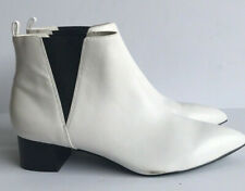 Nine West Thrwshade White Leather Ankle Bootie 8.5M