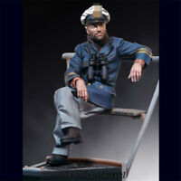 1/18 World War II military sitting soldier Resin Kits Unpainted Figure Model