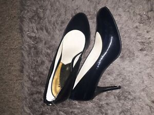 Michael kors Leather black shoes size 5