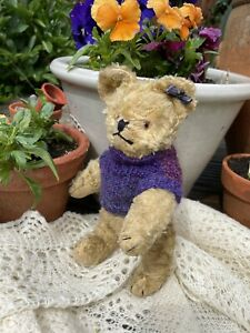 """💙 Doris    9"""" Vintage Old Art Silk Teddy Bear in knitted outfit 💙"""