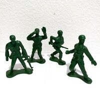 """GREEN ARMY MEN Plastic 3.5"""" Figures Lot of 4 - Giant Jumbo Large Toy Soldier"""