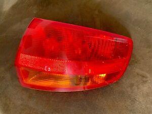 Feu arrière droit - extérieur - Audi A3 Sportback (8P)