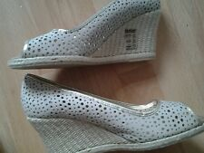 ladies size 7 hotter shoes new  with tags