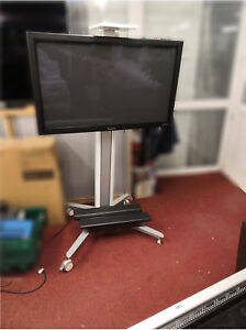 """Panasonic TH-42PF30 42"""" 1920 x 1080, Full HD, 3D, With 2xSpeakers and Stand"""