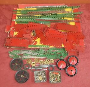 Small Lot of Vintage Meccano