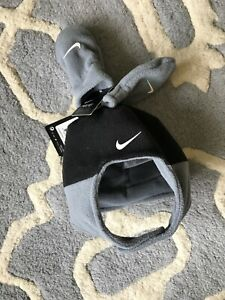 Nike Infant Cuffed Hat and Gloves Set Black / Gray