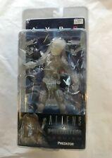 NECA Alien vs Predator AVP Requiem Cloaking Wolf Action Figure DAMAGED BOX