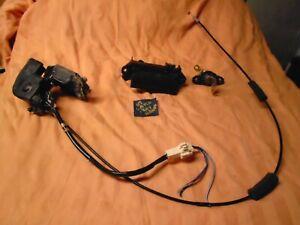 2004-2006 SCION XA Rear Trunk Latch, HANDLE, LOCK & 1 KEY OEM