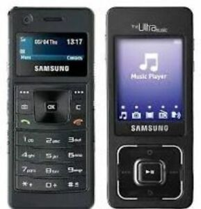 ULTRA RARE SAMSUNG F300 FLIP MOBILE PHONE-UNLOCKED WITH NEW CHARGAR AND WARRANTY