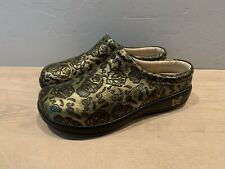 Alegria Kayla Gold/Black Skull Clogs Wmns 38 US 8 Excellent Condition
