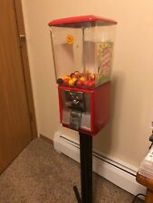 Northwestern 25 Cent Gumball Capsule Vending Machine with Key Plastic Globe Used