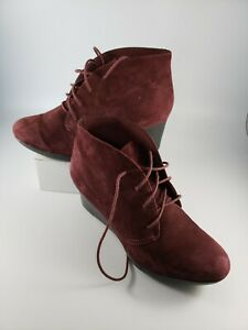 CLARKS Womens 7 Wide Ankle Booties Burgundy Suede Leather Wedge Boots Lace Up 7W