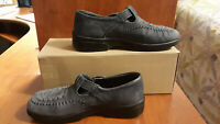 Dexter Womens Loafers Shoes Size 7 1/2  Gray In Color