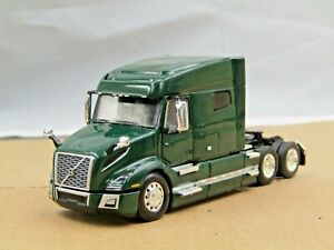 DCP green Volvo VNL 740 midroof sleeper tractor new no box 1/64