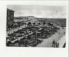 89077 vecchia cartolina di pesaro giardini e spiaggia