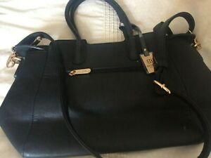 BESSIE   LEATHER    HAND  AND  SHOLDER BAG   BRAND NEW