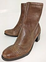 Bass Wos Boots BRENDA US 7 M Brown Studded Vegan Leather Zip Heels Ankle 1071