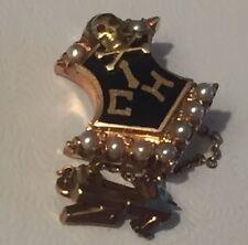 Vintage '27 14K Gold Pearl Enamel Skull Cross Bones Fraternity Pin 3.5g Ruby Eye