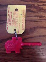 Vintage San Francisco CA Zoo Trunkey The Elephant Key With Original Tag Rare