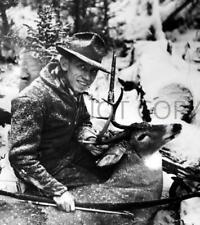 ANTIQUE REPRO 8X10 DEER HUNTING PHOTO FAMED HUNTER BOW MAKER FRED BEAR