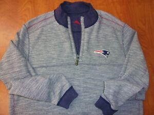 Tommy Bahama New England Patriots Flip Drive 1/2 Zip Reversible Sweatshirt L