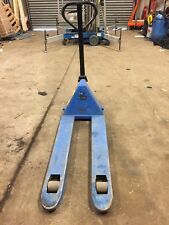 2000kg pallet Truck FOR HIRE NOT FOR RESALE