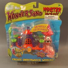 2002 Never-Wet Wonder Sand Monster Hide-Out Underwater worlds Master Moose