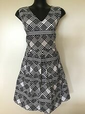 Size 12/14 Flattering Black Geometric Print Cotton Summer Dress