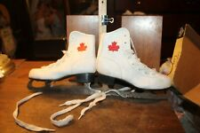 Vintage Canada Maple Leaf Ice Skates Size 2