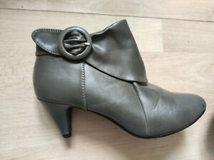 Ankle Boots Size 5 Olive Grey Small Heel