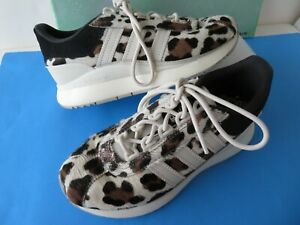 Adidas Originals Wo's Leopard Print Fashion Sneakers Shoe Sz US 5.5 FV4479 GREAT